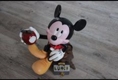 Disney, Walt  - Figurine - Mickey the gardener with his lunch - (1980s-1990s)