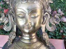 Avalokiteshvara in cloisonné bronze - Nepal – Second half of 20th century.