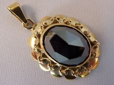 Antique 14 karat yellow gold pendant with a hematite - 6.00ct.