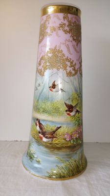 Porcelain vase from Limoges H & B, painted by Golse