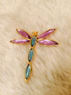 Amazing ''Trifari'' Dragonfly Runaway gold tone brooch