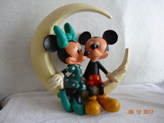 Disney, Walt - Figurine - Mickey and Minnie, together on the moon - Statuette - (+/- 1980-1990)