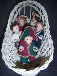 Lot of 5 mignonettes in their cradle