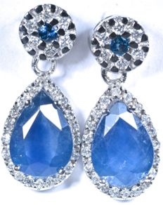 18 kt  White gold earrings with exclusive design and 50 GH-SI diamonds and A colour blue sapphires. Total: 3.14 ct 