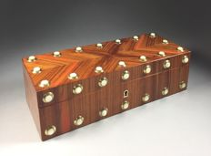 Rosewood glove box with mother-of-pearl ornamental pieces - France - 2nd half 19th century