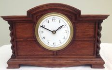Table clock - period 1910