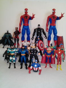 Lot of 19 Marvel and Comics figurines vintage 1988 - 2014 / Plus a Wallet - a Spiderman Schoolbag Kit and a Batman Mask
