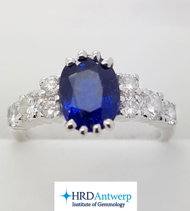 18kt ring with Sapphire & Diamonds – 2.46 ct - No Reserve Price