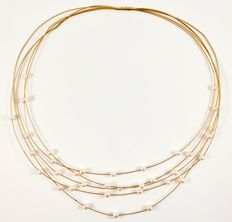 Yellow gold 14 kt Necklace with pearls. 35 cm.