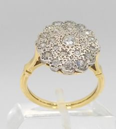 18 kt - Yellow gold cocktail ring with white gold edges - 23 diamonds