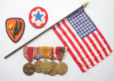 American Medal bar NAMED (!) with second world war flag and emblems - WW2