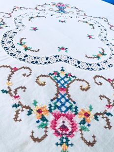 Hand-embroidered and crochet tablecloth - Italy