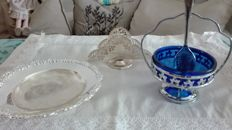 Lot of 3 tableware pieces: napkin holder, saucer, sugar bowl