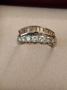Platinum Ring with total 1.26 ct Diamonds - Colour (G)/Clarity VS2