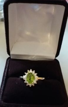 Large natural 1.50 ct peridot ring Thick 925 silver. Elegant design. No reserve price