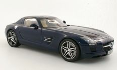 Premium ClassiXXs - Scale 1/12 - Mercedes-Benz SLS AMG Coupe - Daytone Blue Metallic - Limited Edition 1000 pieces