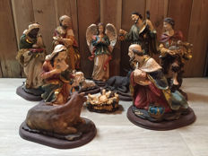 Beautiful Large Nativity, 11-pieces
