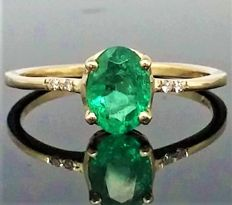 14k Yellow gold Emerald and Diamond Ring - size : 6 1/4 (USA), 52.5 (French ).