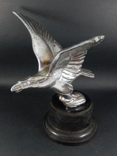 Early Genuine British Alvis Eagle Bird Hood Ornament Car Mascot in Used Condition mounted on period plastic base