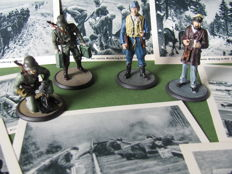 "Rare lot with 4 hand-painted full tin figurines WWII Wehrmacht & 60 original pictures Mussolini, Churchill, Roosevelt in ""Der 2. Weltkrieg im Bild Vom Nürnberg bis Stalingrad"