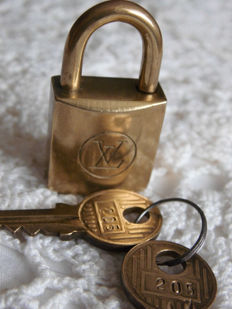 Louis Vuitton - Padlock with 2 keys