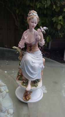 Dino Bonalberti Capodimonte - woman with birds figurine
