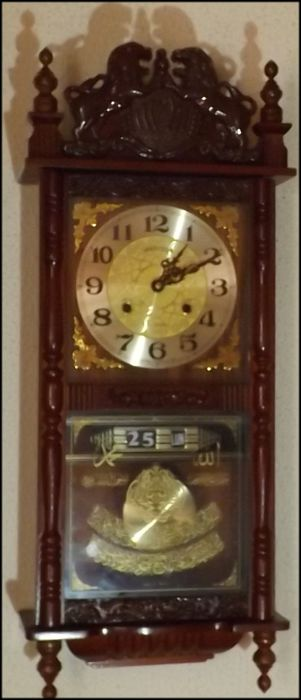 Mechanical controller clock from the brand HARRISON, 31-day with date