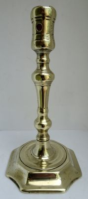 George I candlestick in brass - England early 18th century - published