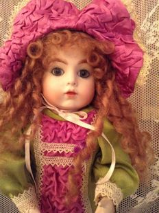 Jumeau doll with closed mouth after an old model