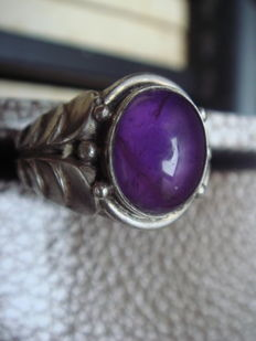 Silver ring ca. 1960 with real purple amethyst from Mexico, 3 ct, size 18 mm.