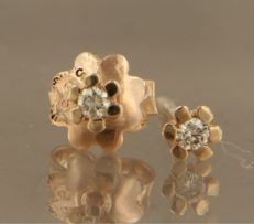 No reserve price, 14 kt rose gold, solitaire ear studs set with brilliant cut diamond, in total approx. 0.10 carat