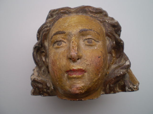 Wooden head of a Saint, 15/16th century, European