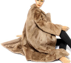 Beautiful lambskin coat lambskin beige fur coat fur casually stylish
