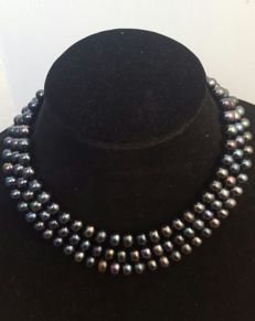 Long necklace with black cultured fresh water pearls - Length: 126 cm