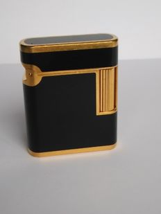 S.T DUPONT lighter, line SOUBRENY, Chinese lacquer and gold plated