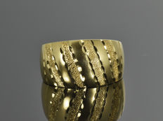 Gold 18 kt Ring. Size 60.3 (ø 19.2mm) • no reserve price •