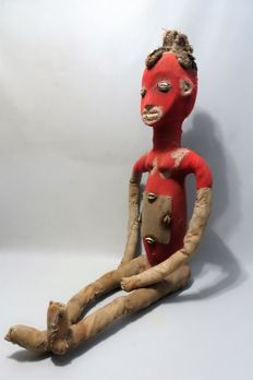 Large African funeral doll in red textile - BWENDE - D.R. Congo