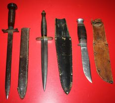 Lot of 3 daggers, Fairbairn & Sykes, Marines model Johnson & Co and unknown, Great Britain, in good condition.