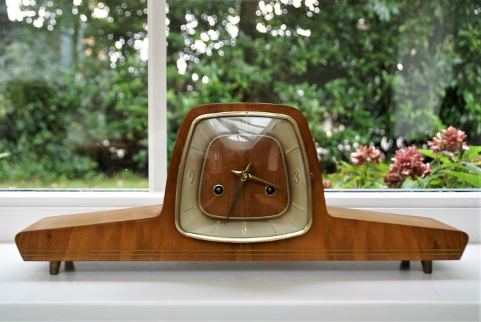 Stylish Franz Hermle German wooden mantle clock - mechanical with chime