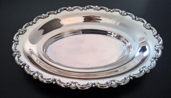 Oval centrepiece plate in silver 800, Palermo, Italy, mid 20th century