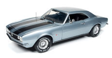 Auto World - Scale 1/18 - Chevrolet Camaro 1967