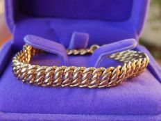 Carved bracelet in 18 kt yellow gold - Low reserve!!