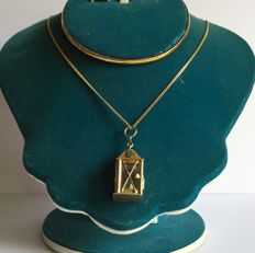 585 gold vintage pendant & 585 gold  chain with lantern