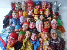 Large collection of 35old puppet dolls/hand puppets/puppet show, various characters