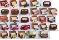 Matchbox - Scale approx. 1/55-1/76 - Lot with 28 models: Renault, Mack, Foden, Crossley, AEC, Ford, Morris & Atkinson