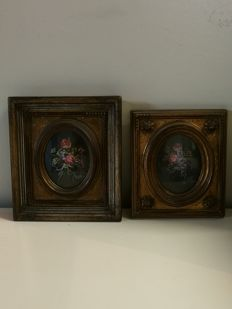 Two antique small oil paintings, signed with anqitque frame, in very good condition