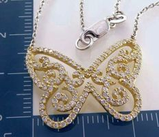 Yellow gold butterfly pendant set with diamond, 1.00 ct in total -#- Accompanied by a jewellery certificate -  Free Shipping -#-