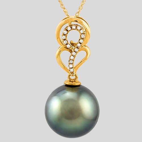 Pendant made of 18 kt Yellow Gold with Tahitian black pearl and 0.085 ct Diamond **no reserve price**