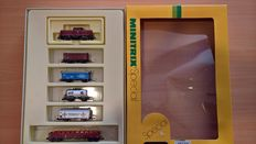 "Minitrix N - Train set with diesel locomotive BR212 ""V100"" with 5x freight wagons of the DB"
