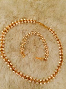 Gorgeous Napier RUNAWAY faux pearls/gold tone necklace and bracelet